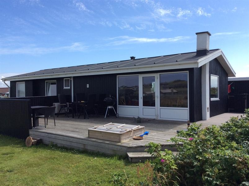 Familiesommerhus med panorama-havudsigt nord for Løkken - Sommerhus Nr. Lyngby