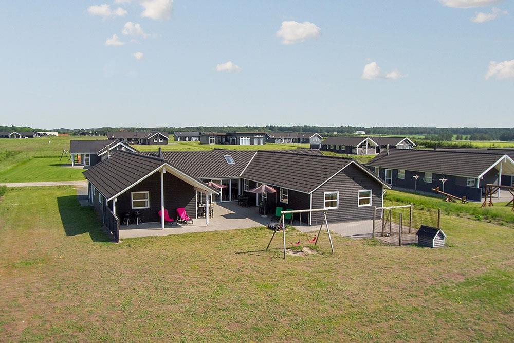 Sommerhus til 22 personer ved Nr. Lyngby