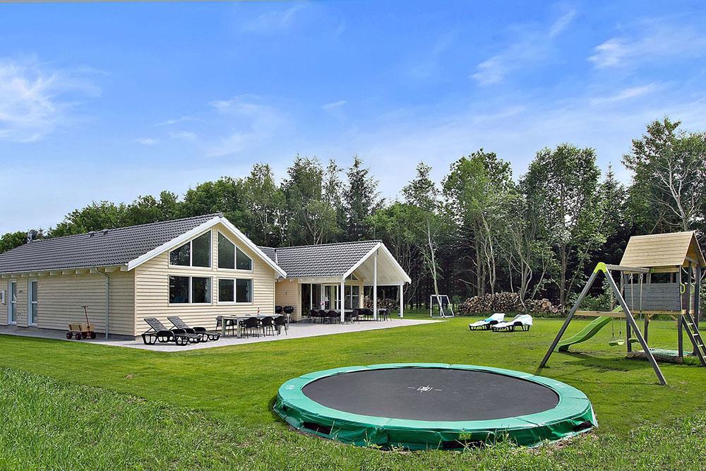 Sommerhus til 18 personer ved Fjellerup