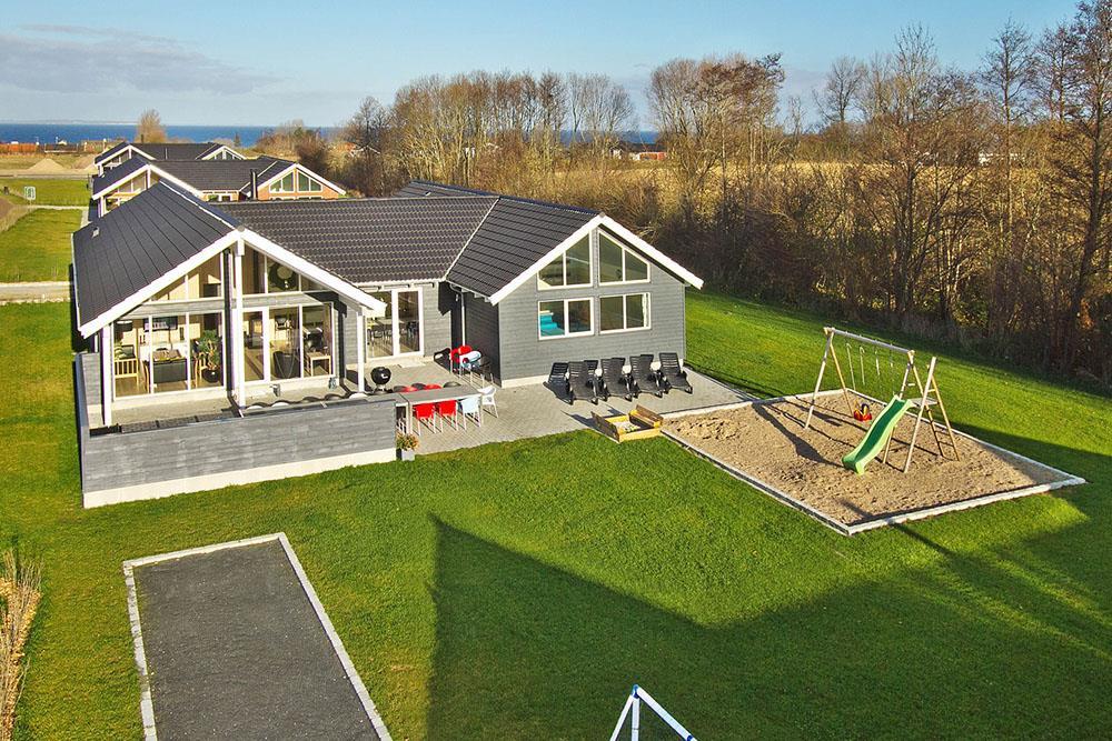 Sommerhus til 18 personer ved Købingsmark