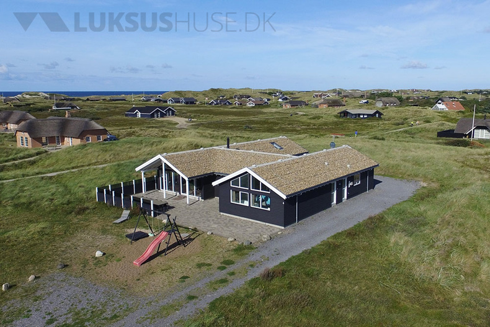 Sommerhus til 18 personer ved Søndervig