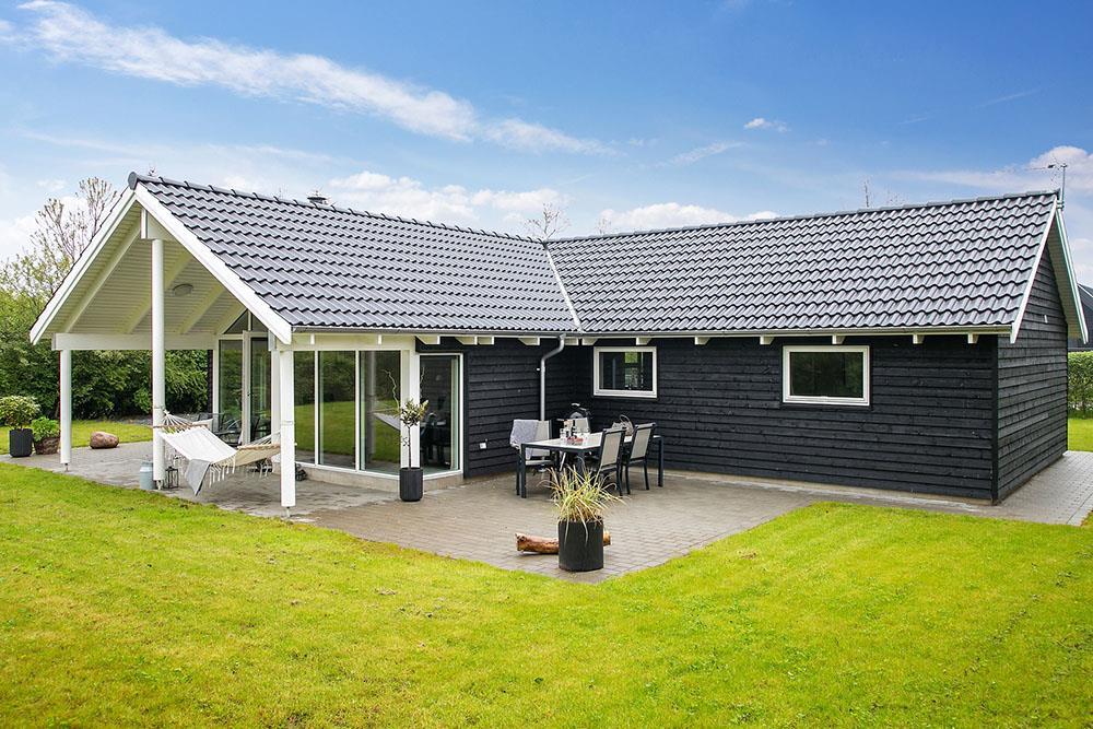 Sommerhus til 8 personer ved Saksild