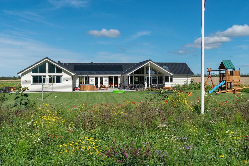 Sommerhus til 22 personer ved Hostrup Strand