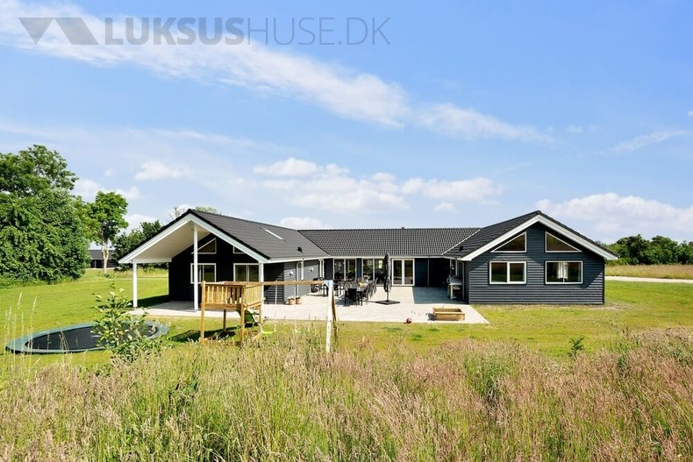 Sommerhus til 24 personer ved Grenå Strand