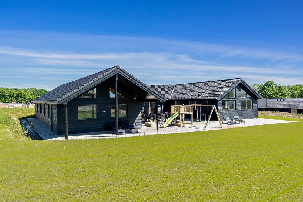 Sommerhus til 24 personer ved Mommark