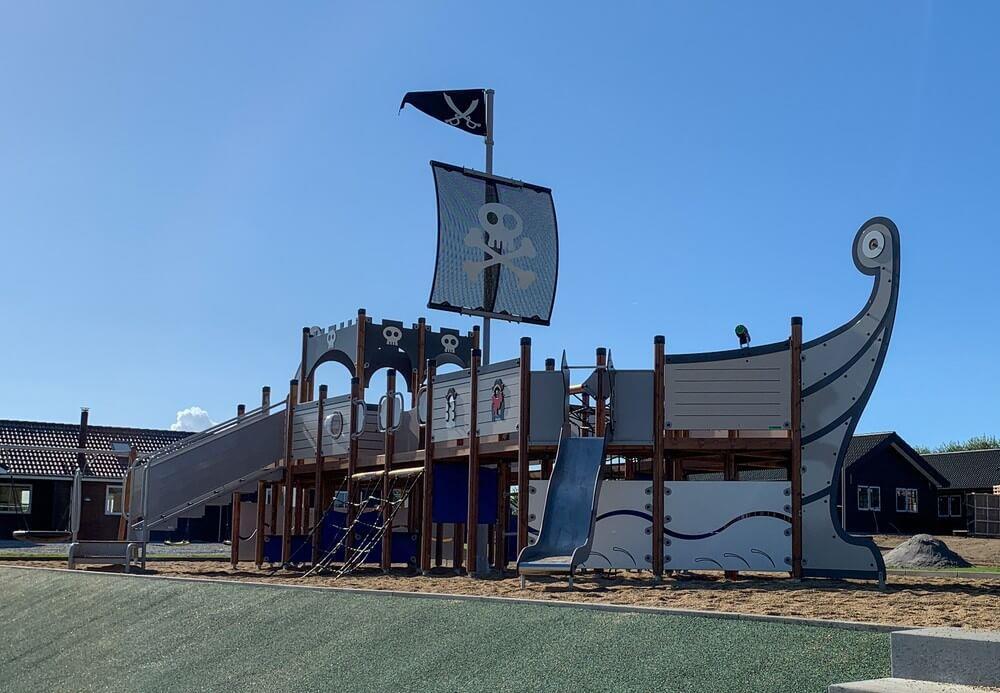 Sommerhus til 30 personer ved Mommark