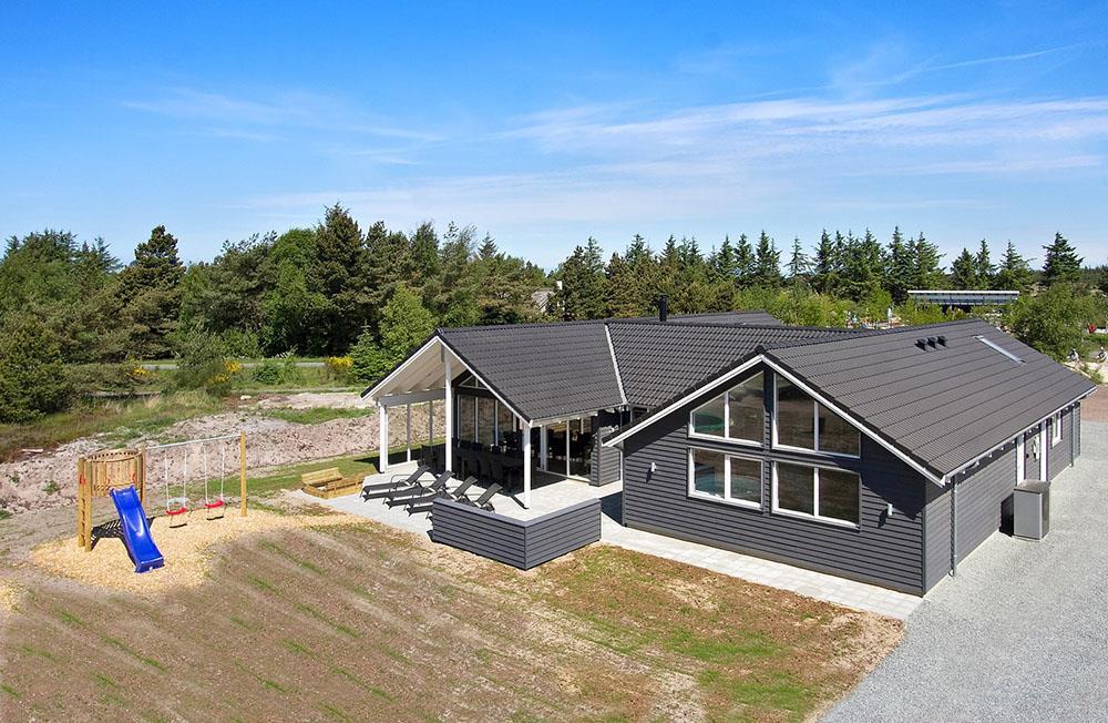 Sommerhus til 16 personer ved Blåvand
