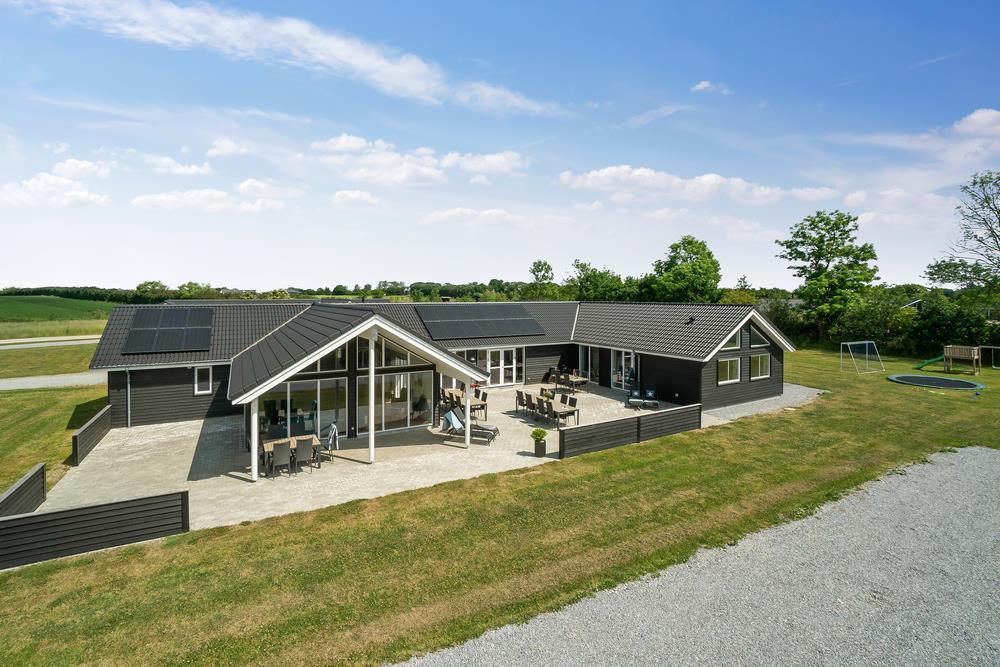 Sommerhus til 26 personer ved Grenå Strand