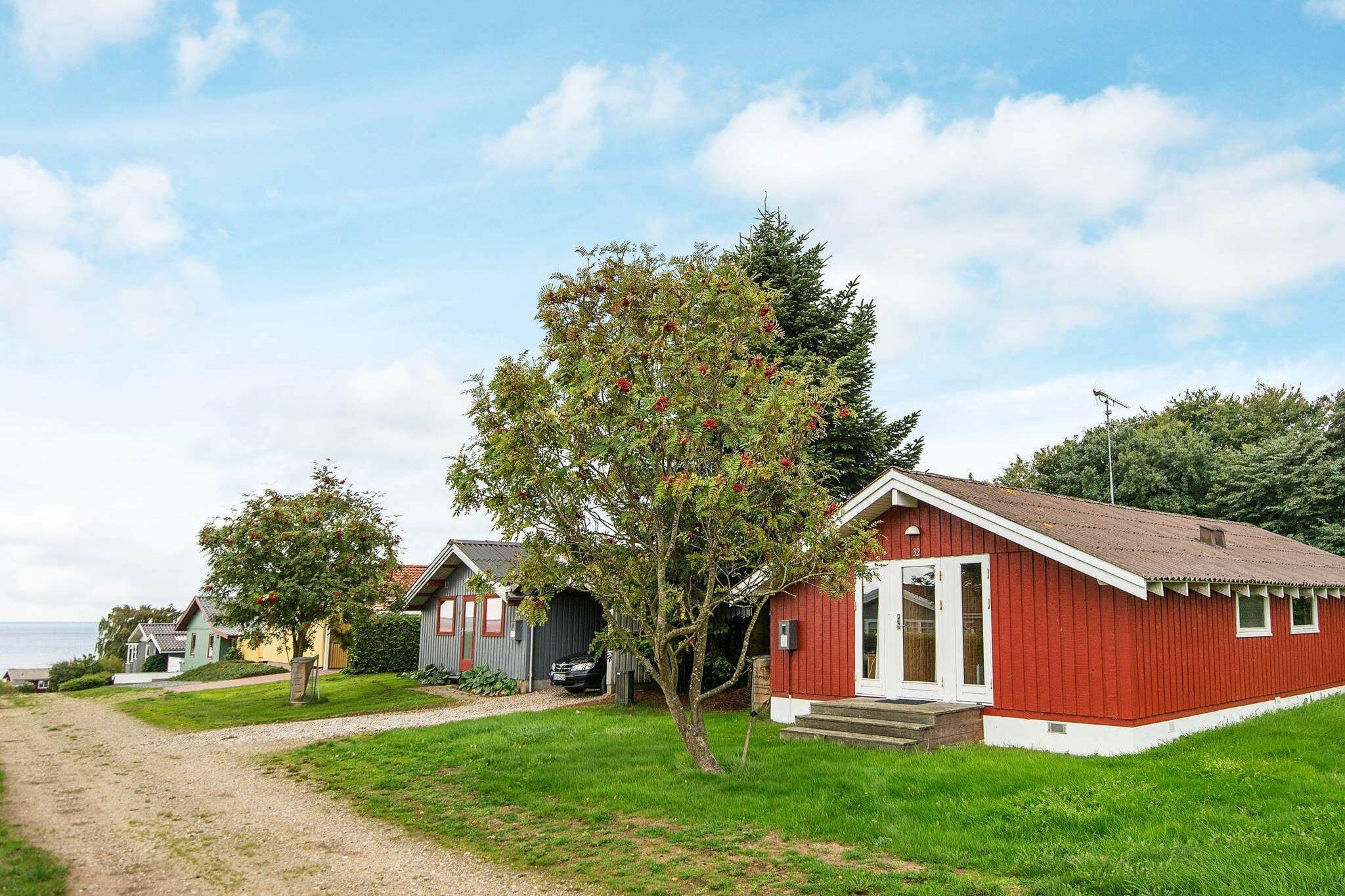 Sommerhus til 6 personer ved Bjert