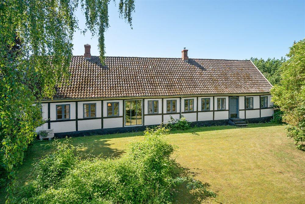 Sommerhus til 16 personer ved Råbylille strand