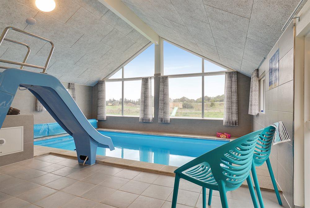 Sommerhus til 14 personer ved Vejby Strand