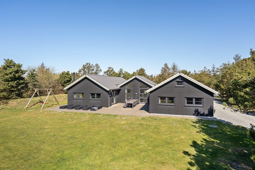 Sommerhus til 14 personer ved Blåvand