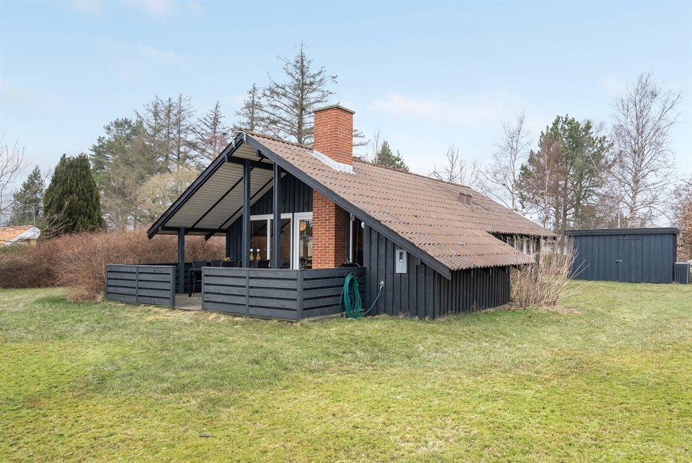 Sommerhus til 6 personer ved Egense