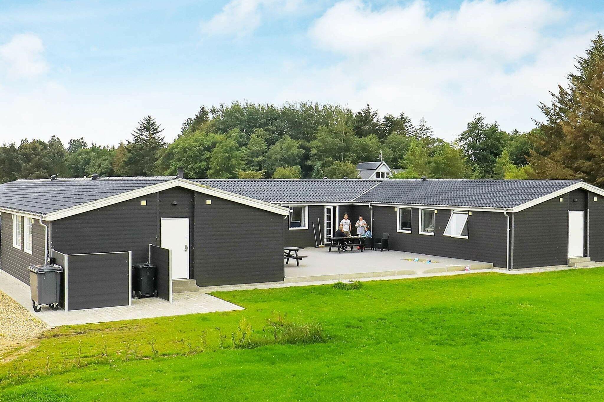 Sommerhus til 24 personer ved Øster Assels