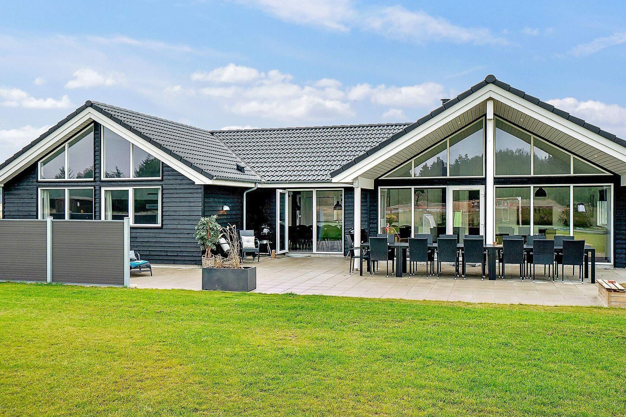 Sommerhus til 18 personer ved Nørre Nebel