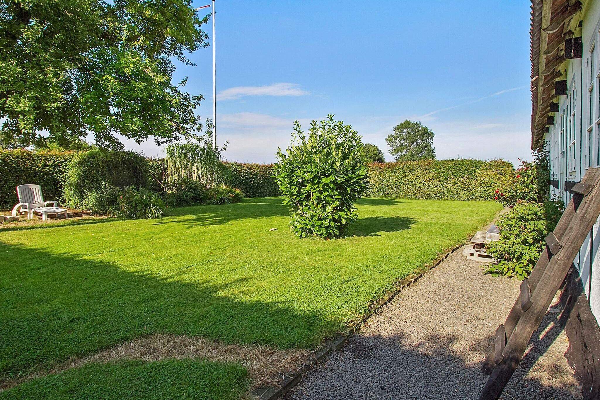 Sommerhus til 6 personer ved Åkirkeby