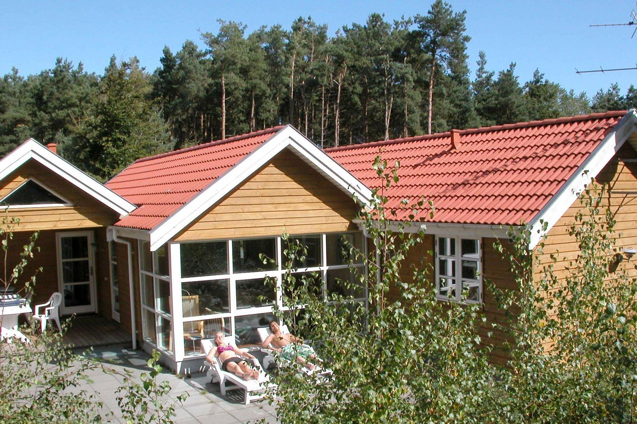 Sommerhus til 10 personer ved Åkirkeby