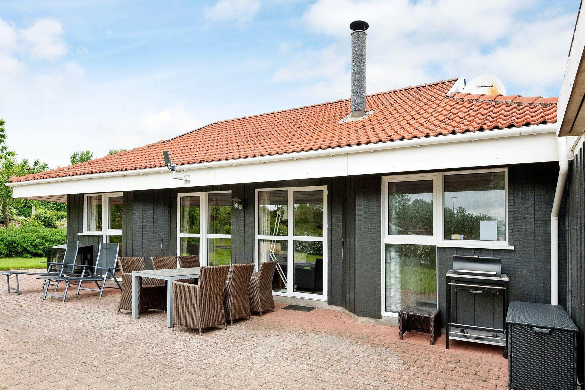 Sommerhus til 8 personer ved Hejls