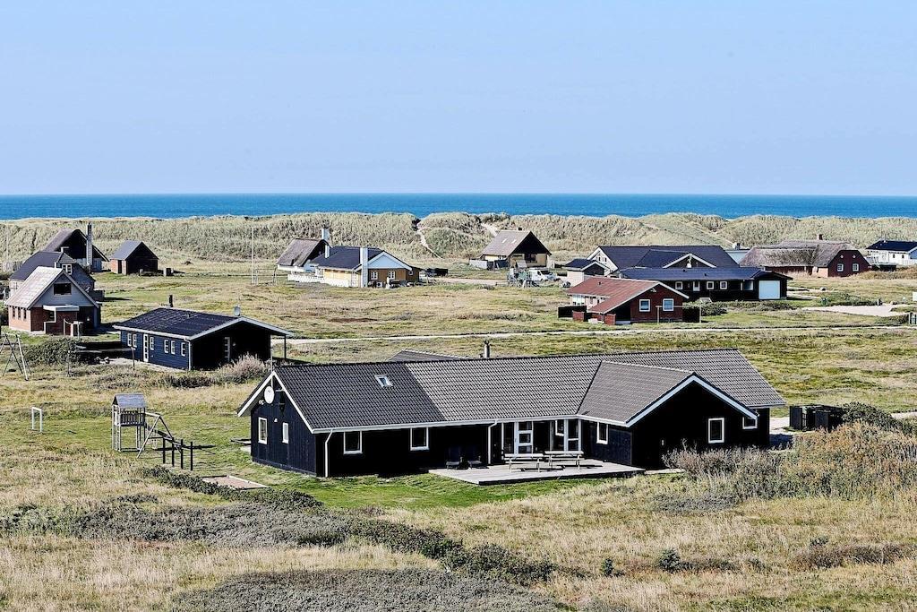 Sommerhus til 22 personer ved Harboøre