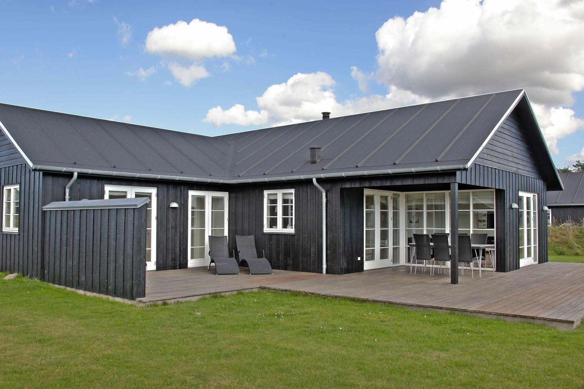 Sommerhus til 10 personer ved Nysted