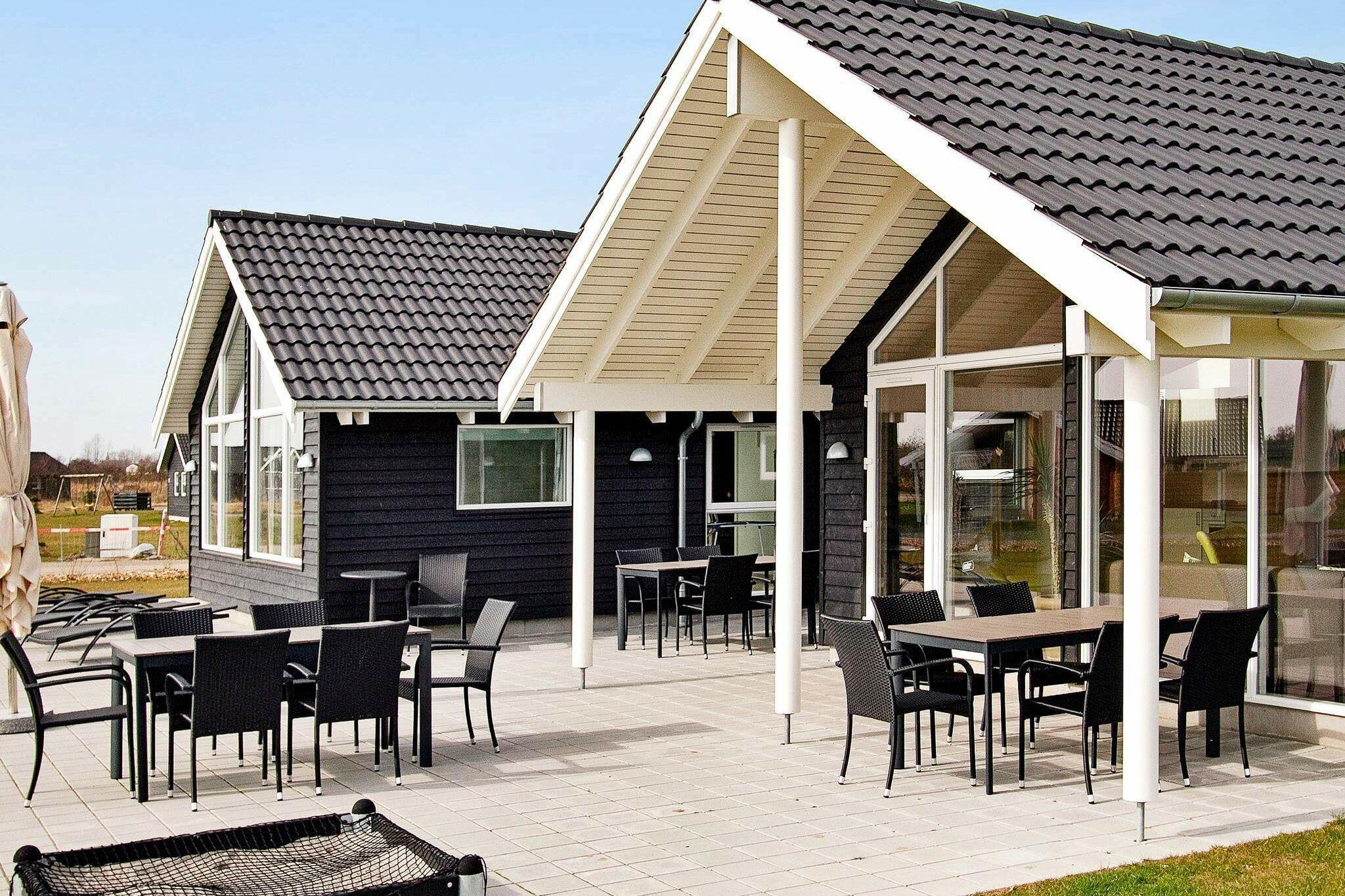 Sommerhus til 14 personer ved Idestrup