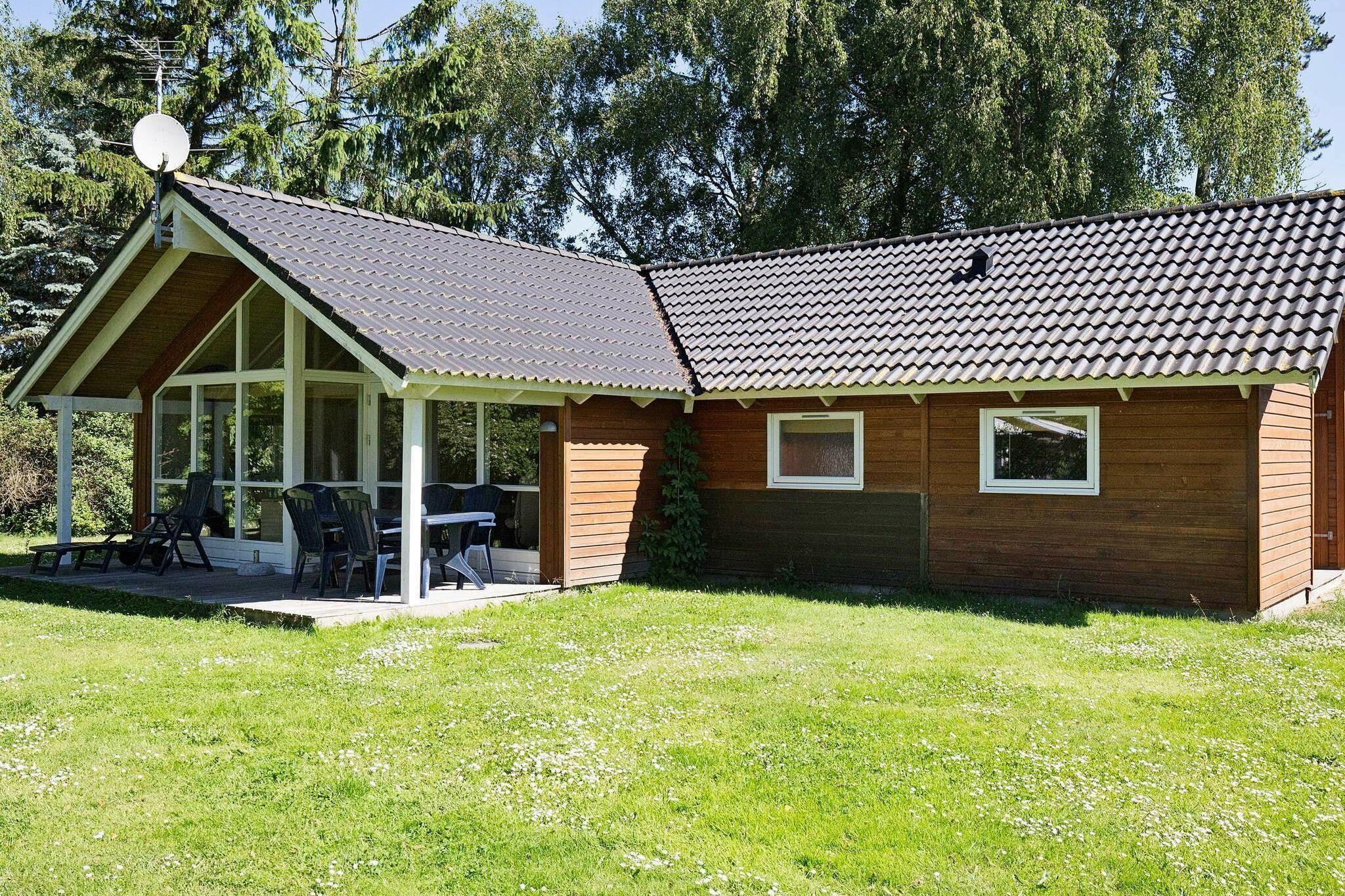 Sommerhus til 6 personer ved Højby