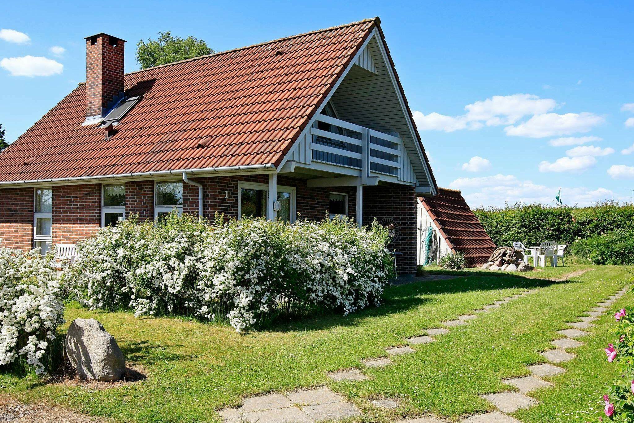 Sommerhus til 6 personer ved Hesselager