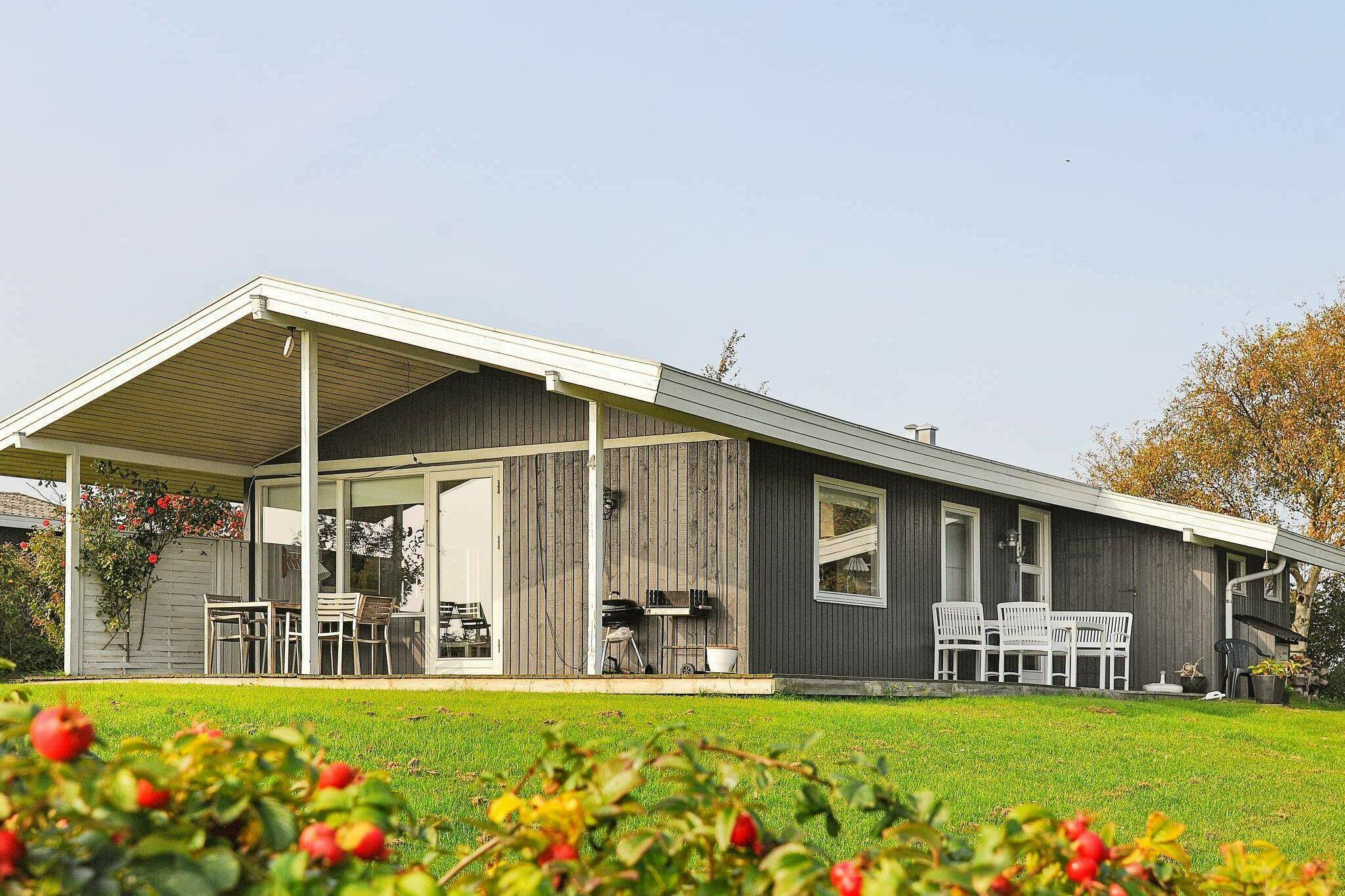 Sommerhus til 6 personer ved Ebberup