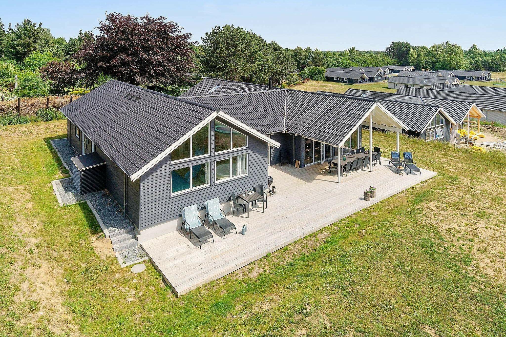 Sommerhus til 18 personer ved Vejby
