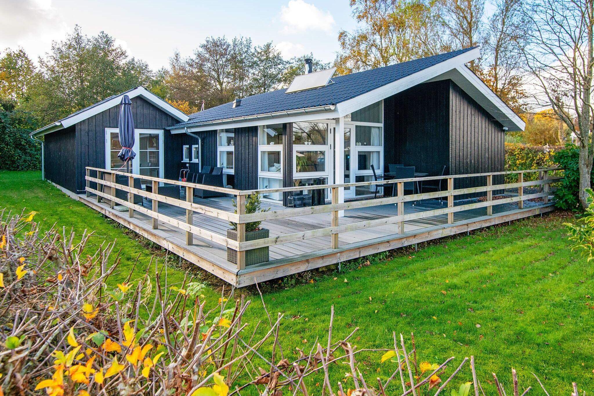 Sommerhus til 6 personer ved Sjølund