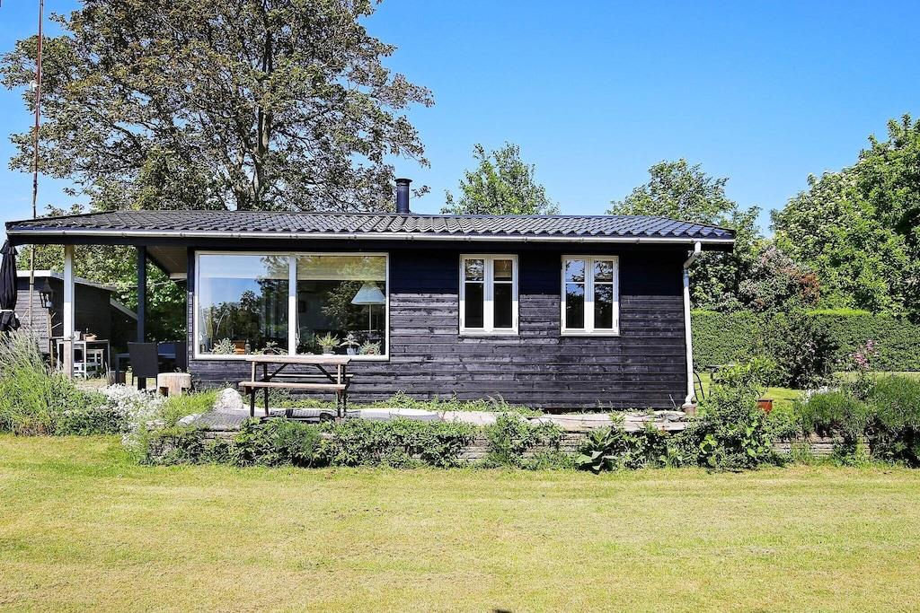 Sommerhus til 3 personer ved Kirke Hyllinge
