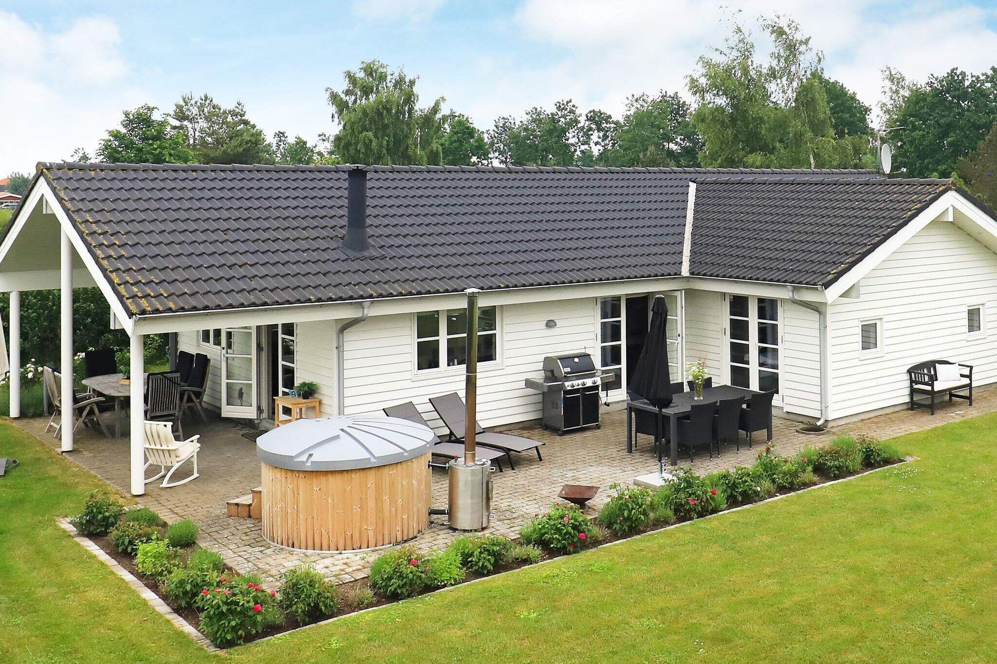 Sommerhus til 10 personer ved Otterup