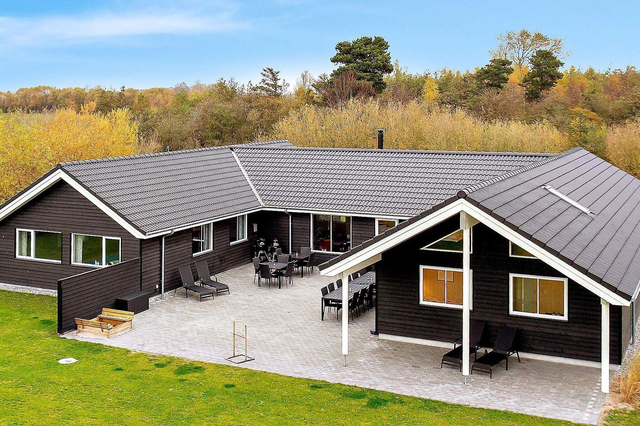 Sommerhus til 20 personer ved Idestrup