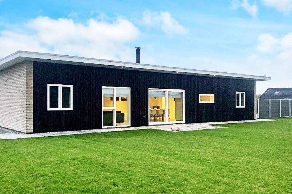 Sommerhus til 12 personer ved Sydals