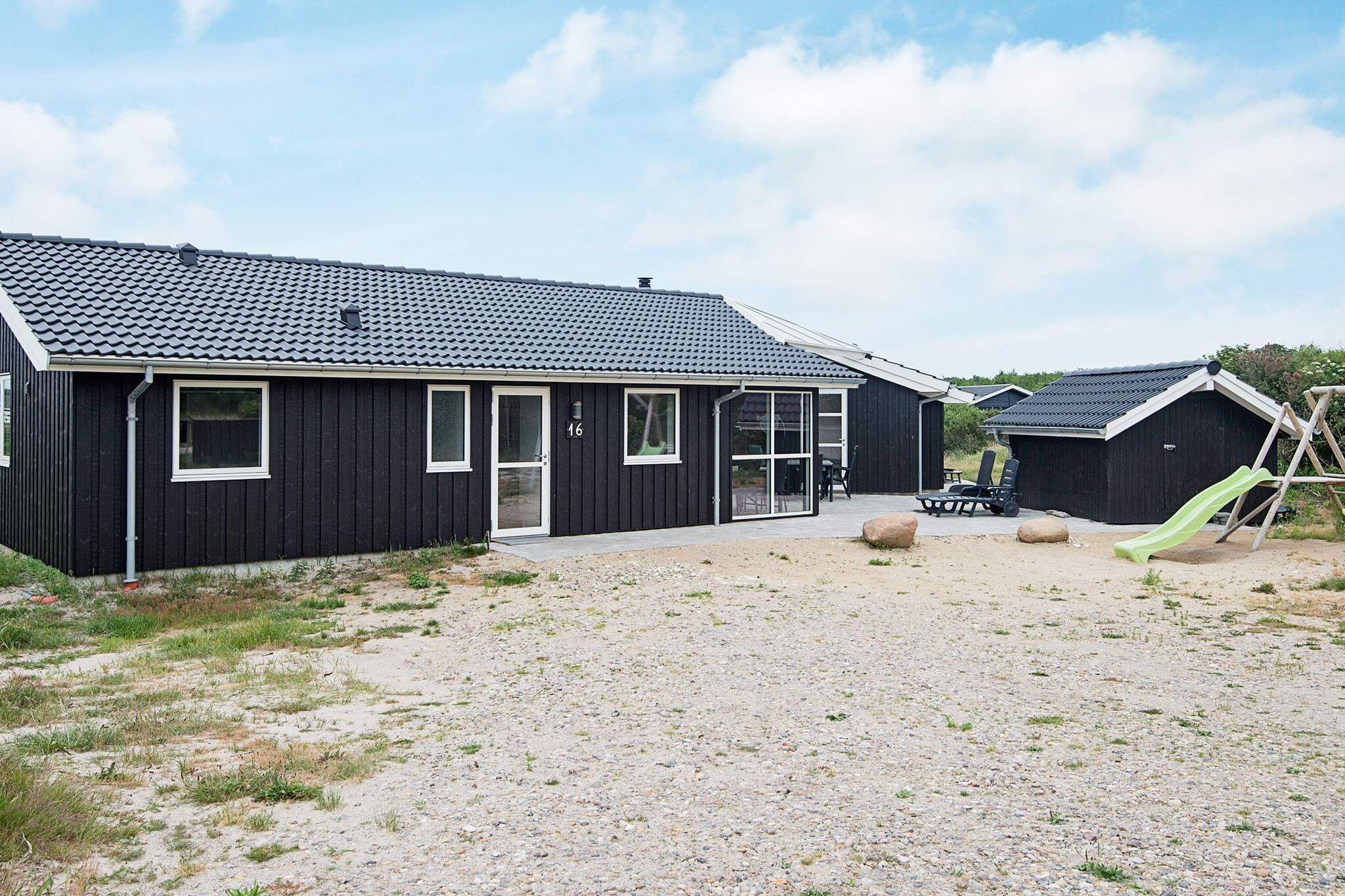 Sommerhus til 12 personer ved Vejers Strand