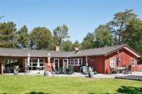 Sommerhus til 12 personer ved Ålbæk