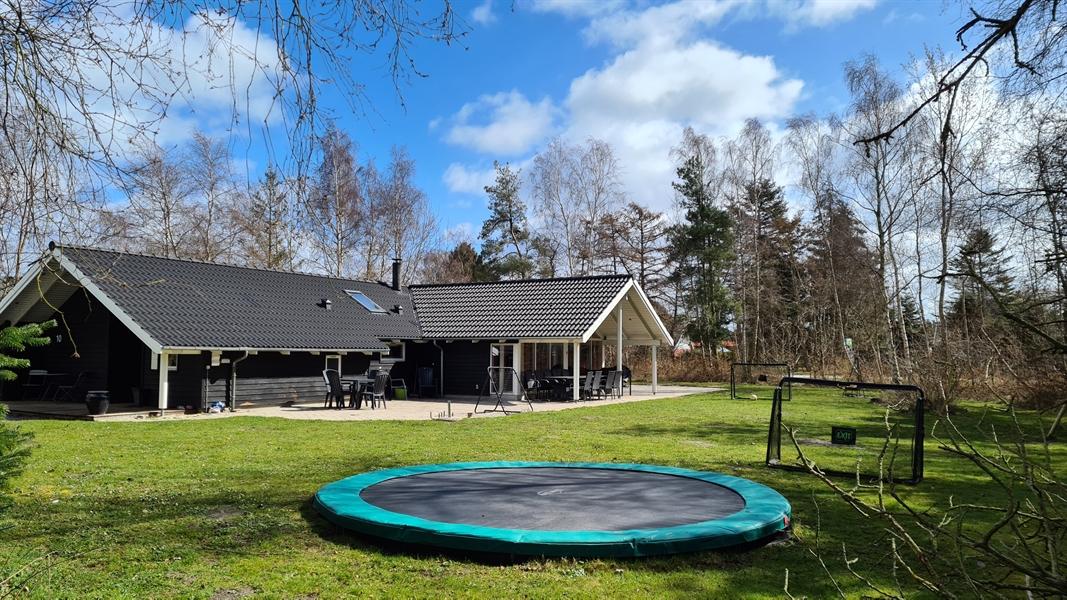 Sommerhus til 15 personer ved Marielyst