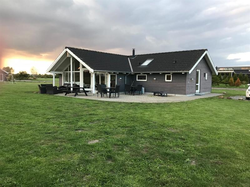 Sommerhus til 12 personer ved Marielyst