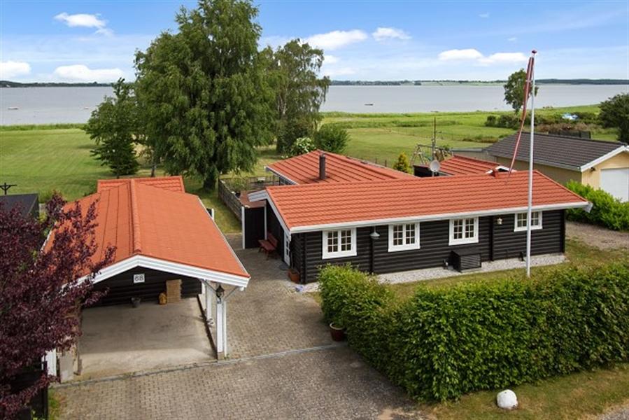 Sommerhus til 8 personer ved Udby