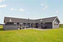 Sommerhus til 16 personer ved Nr. Lyngby