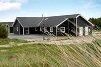 Sommerhus til 24 personer ved Vejers Strand