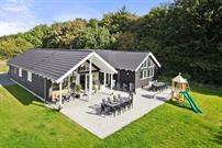 Sommerhus til 16 personer ved Lohals