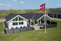 Sommerhus til 18 personer ved Skåstrup strand