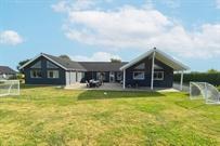 Sommerhus til 22 personer ved Skåstrup strand