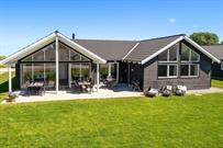 Luksus sommerhus til 16 personer ved Marielyst