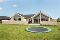 Sommerhus til 16 personer ved Skåstrup strand