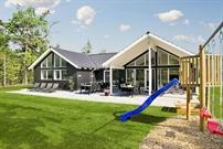 Sommerhus til 18 personer ved Asserbo