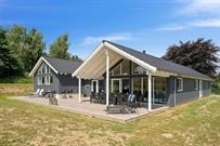 Sommerhus til 18 personer ved Vejby Strand