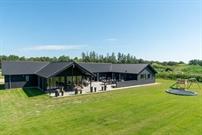 Sommerhus til 26 personer ved Houstrup Strand