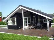 Sommerhus til 6 personer ved Følle Strand